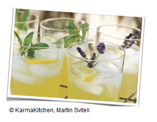Ananas_Mocktail_fuer_Rosacea_Betroffene
